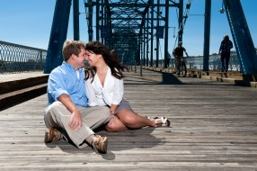 Engagement photography on bride in Chattanooga, Tennessee