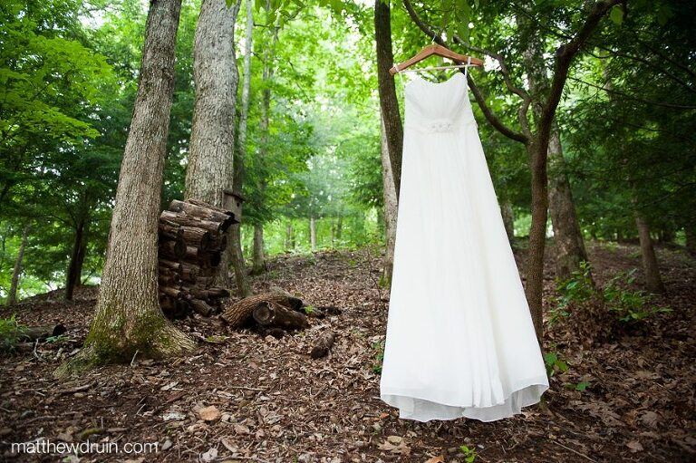 Bride's dress at The Chimneys in Big Canoe mountains in Atlanta, Georgia matthewdruin.com